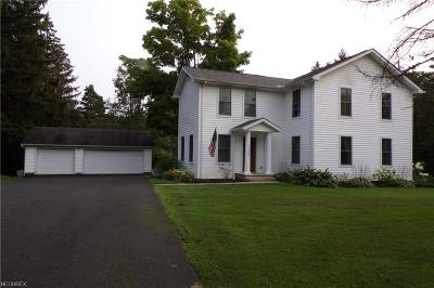 Geauga County Single Family Home For Sale: 11589 Pekin Rd