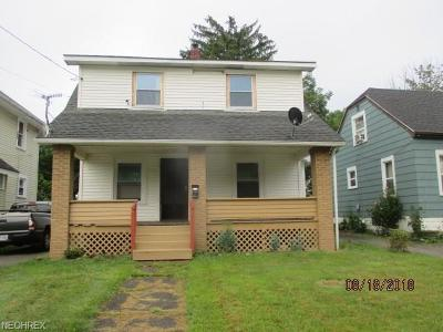 Youngstown Single Family Home For Sale: 3013 Rush Blvd