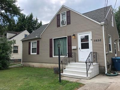 Lorain Single Family Home For Sale: 1530 Root Rd