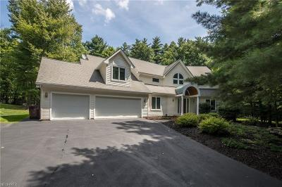 Chardon Single Family Home For Sale: 11850 Tall Pines Dr