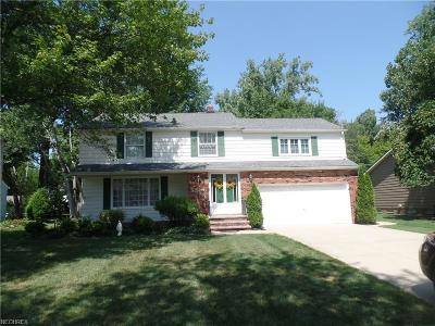 Lyndhurst Single Family Home For Sale: 5171 Hickory Dr