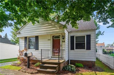 Parma Single Family Home For Sale: 1408 Hillsdale Rd