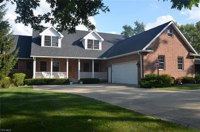 North Royalton Single Family Home For Sale: 18225 Bennett Rd