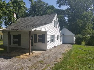 Mentor Single Family Home For Sale: 6141 Seminole Trl