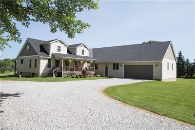 Garrettsville Single Family Home For Sale: 15590 Grove Rd
