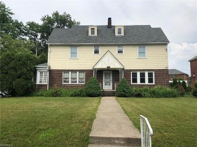 Shaker Heights Multi Family Home For Sale: 3105 Keswick Rd