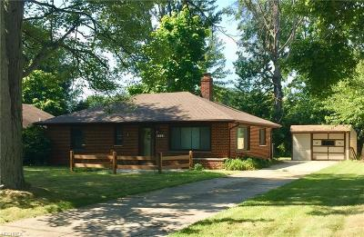 North Olmsted Single Family Home For Sale: 4506 Silverdale Rd