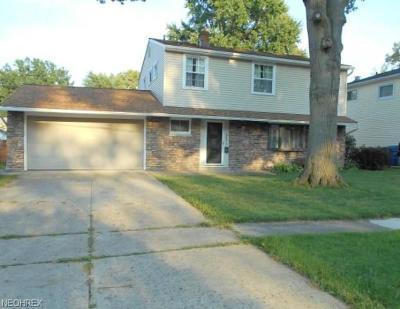Berea Single Family Home For Sale: 562 Louis Dr