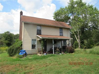 Single Family Home Sold: 5155 Center Rd