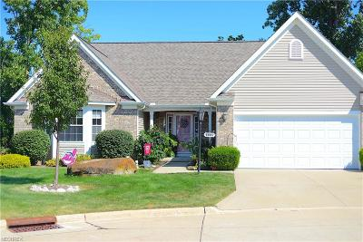 Middleburg Heights Single Family Home For Sale: 6924 Deer Run Dr