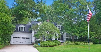 Chagrin Falls Single Family Home For Sale: 8282 Valley Dr