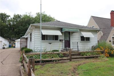 Painesville Single Family Home For Sale: 571 North State St