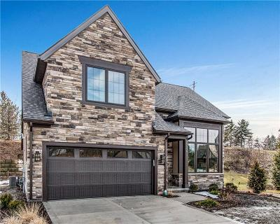 Willoughby Single Family Home For Sale: 39540 Tudor Dr