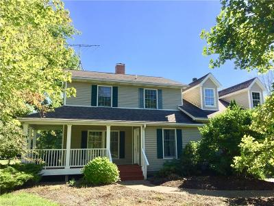 Geauga County Single Family Home For Sale: 18925 Thorpe Rd