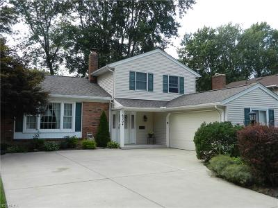 North Olmsted Single Family Home For Sale: 6304 Stafford Dr