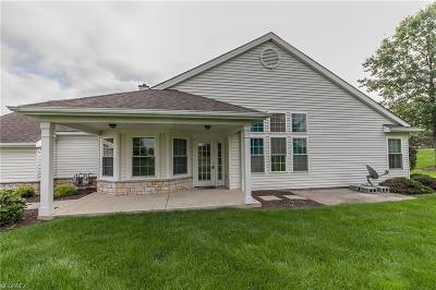 Avon Lake Condo/Townhouse For Sale: 13 Whitaker Cv