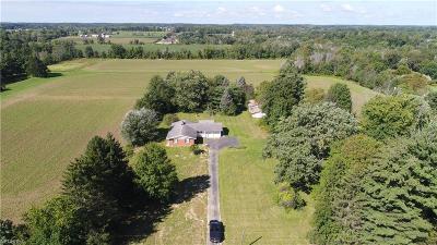 Medina Single Family Home For Sale: 2604 Columbia Rd