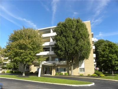 Rocky River Condo/Townhouse For Sale: 2109 Wooster Rd #45