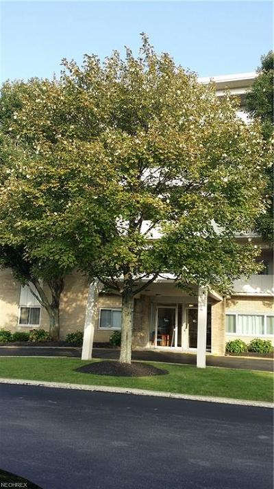 Rocky River Condo/Townhouse For Sale: 2109 Wooster Rd #37