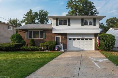 Bay Village, Rocky River Single Family Home For Sale: 26730 East Oviatt Rd