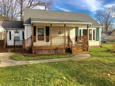 North Ridgeville Single Family Home For Sale: 6009 Wallace Blvd