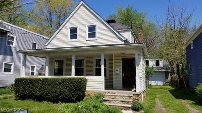 Bratenahl Single Family Home For Sale: 10019 Foster Ave
