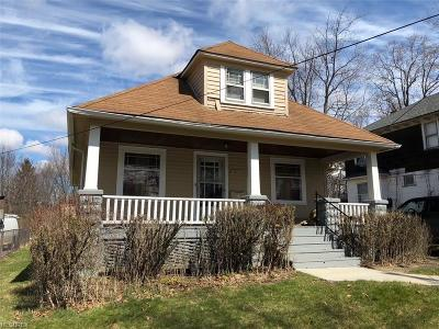 Maple Heights Single Family Home For Sale: 15911 Friend Ave