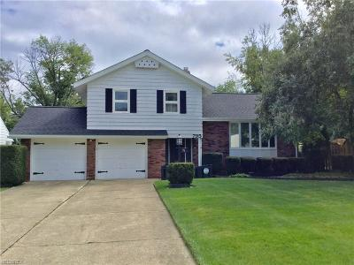 Richmond Heights Single Family Home For Sale: 795 Kenbridge Dr