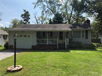 Lake Milton Single Family Home For Sale: 19905 Maplewood Ave
