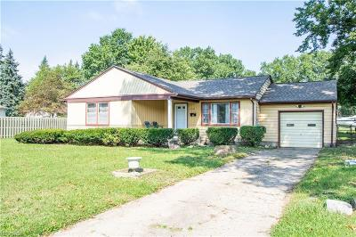 Austintown Single Family Home For Sale: 3798 Cumberland Cir