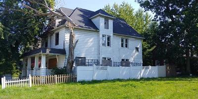 Cleveland Multi Family Home For Sale: 4327 Warner Rd