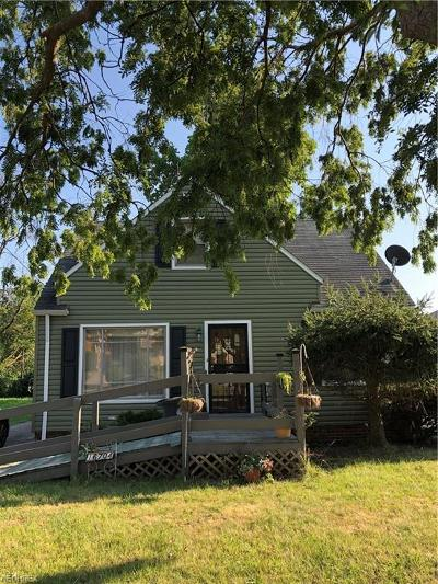 Cleveland Single Family Home For Sale: 16704 Meadowvale Ave