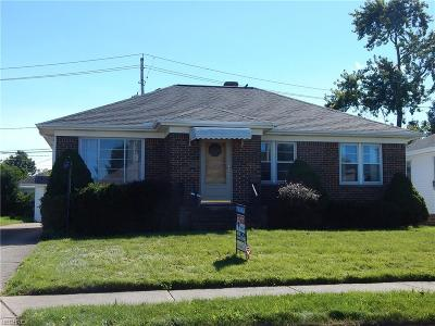 Cuyahoga County Single Family Home For Sale: 8409 Lanyard Dr