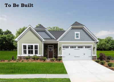 North Ridgeville Single Family Home For Sale: 7488 Greenlawn Dr
