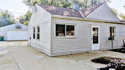 Mentor Single Family Home For Sale: 4861 Belle Meadow Rd