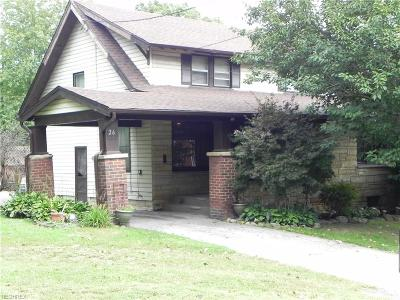 Struthers Single Family Home For Sale: 26 Sells Ave