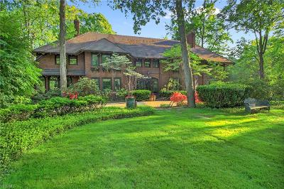 Shaker Heights Single Family Home For Sale: 15800 South Park Boulevard