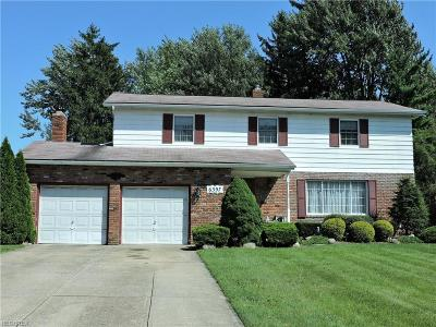 North Olmsted Single Family Home For Sale: 6397 Somerset Dr