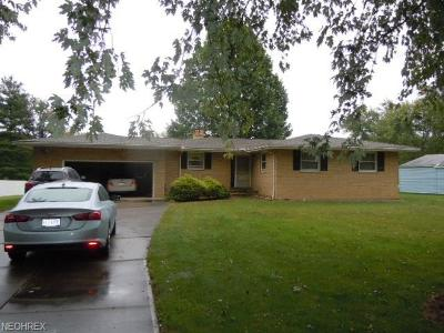 Strongsville OH Single Family Home For Sale: $149,900