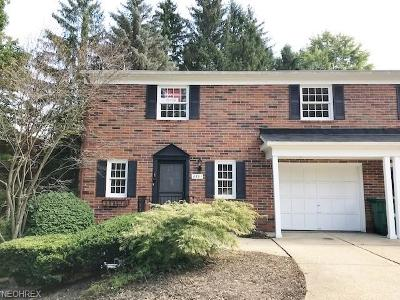 Geauga County Condo/Townhouse For Sale: 8591 Tanglewood Trl