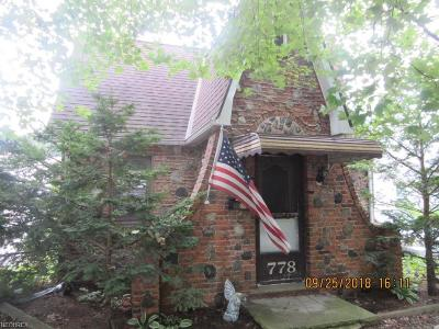 Willoughby Single Family Home For Sale: 778 Chestnut Blvd