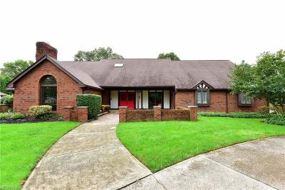 Brecksville Single Family Home For Sale: 9972 Fitzwater Rd