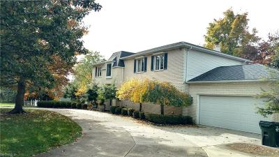 North Royalton Single Family Home For Sale: 8960 York Rd