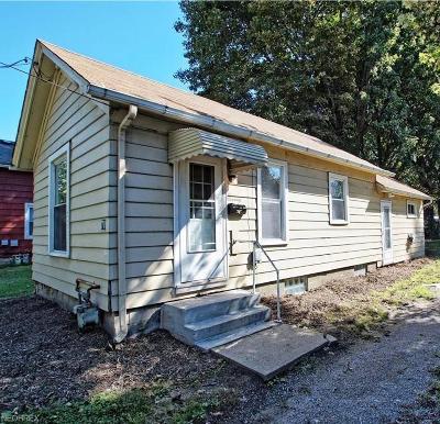 Painesville Single Family Home For Sale: 70 Nebraska St