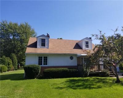 Avon Single Family Home For Sale: 2815 Jaycox Rd