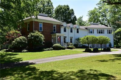 Chardon Single Family Home For Sale: 11828 Auburn Rd