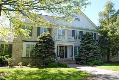 Geauga County Single Family Home For Sale: 7620 Thistle Ln