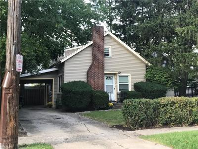 Lakewood Single Family Home For Sale: 15908 Delaware Ave
