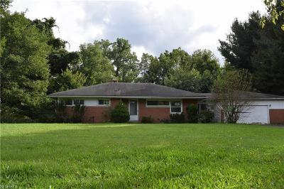 Willoughby Hills Single Family Home For Sale: 36100 Maplegrove Rd