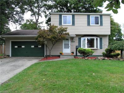 Brook Park Single Family Home For Sale: 6538 Southway Ct